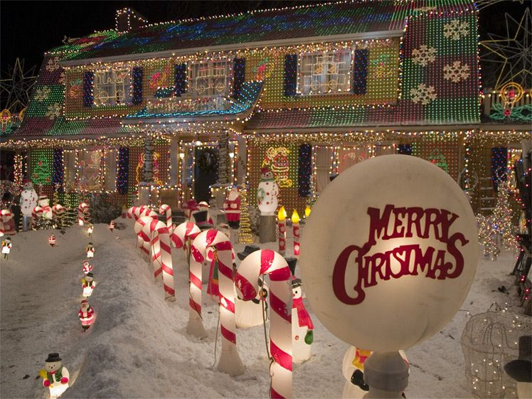 Movies Photo: Deck the Halls | Merry christmas pictures, Christmas house lights, Merry christmas images