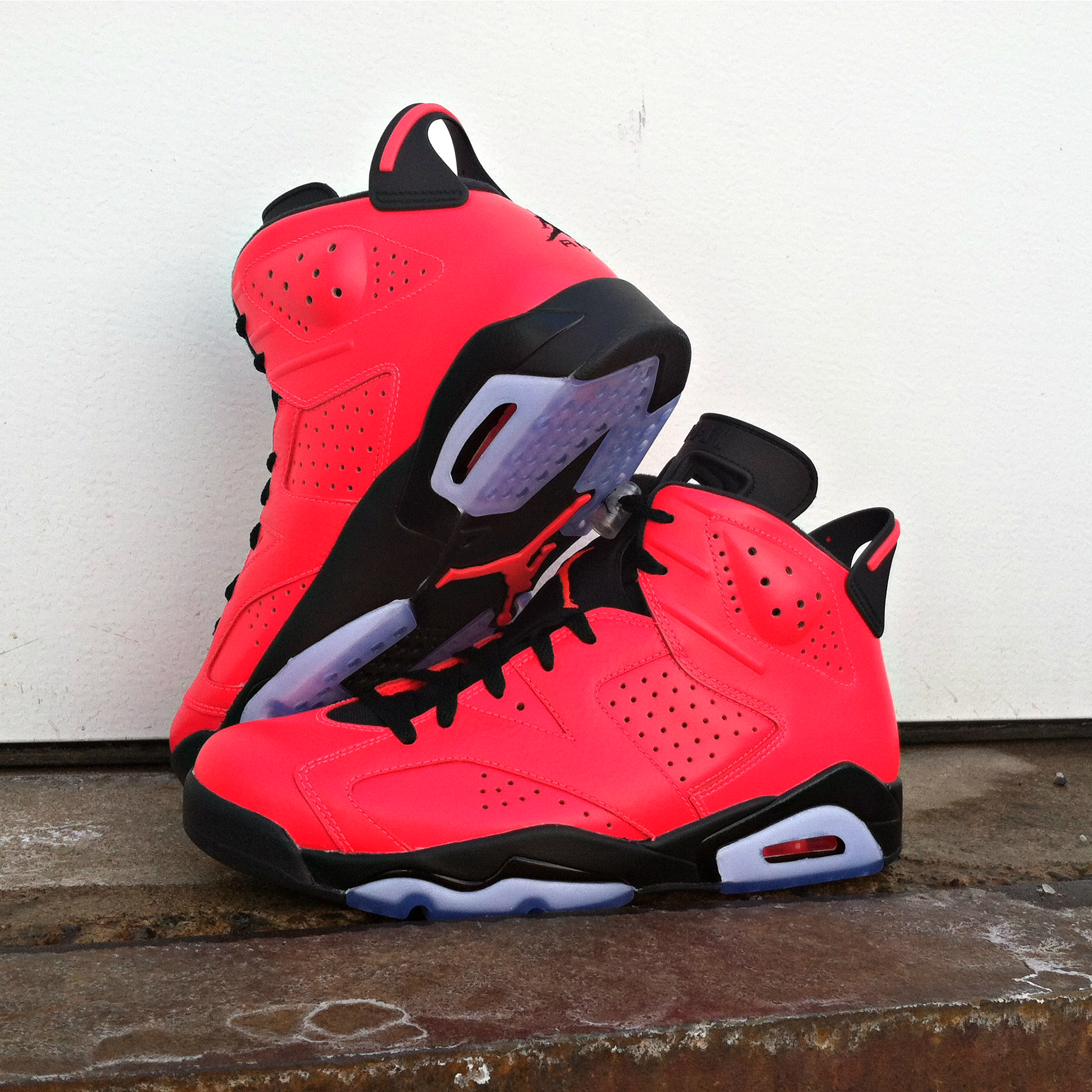 46aa94049d6  ReleaseReport  Jordan Retro 6 in black and infrared drops February 15th.  Is this look a must-cop