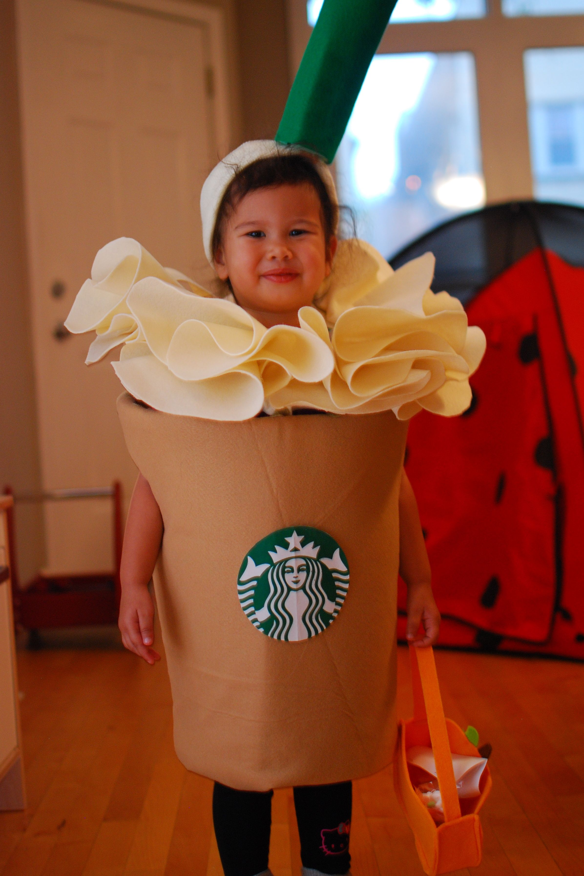 diy costume starbucks frappuccino halloween pinterest starbucks frappuccino diy. Black Bedroom Furniture Sets. Home Design Ideas