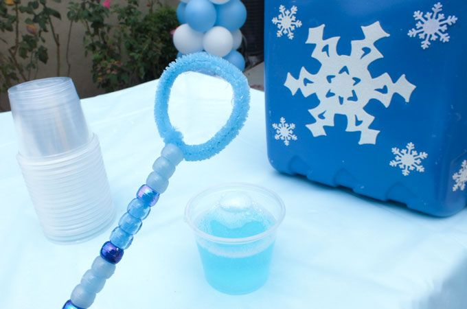 Disney Frozen Diy Bubble Wands Frozen Party Games Frozen Party