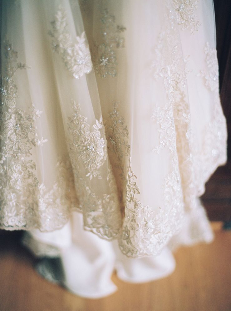 Wedding dress details | fabmood.com