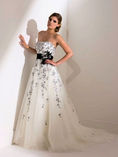 Second Time Around Wedding Dresses | Bridesmaid Dresses Go With A White And  Black Wedding Dress