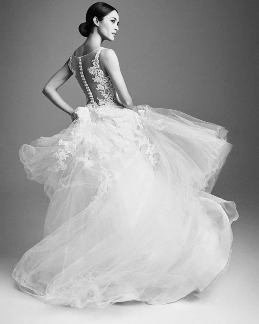 Nyc Bridal Gown Stores New York Weddings Guide Wedding Dress Store Gowns Bridal Gowns