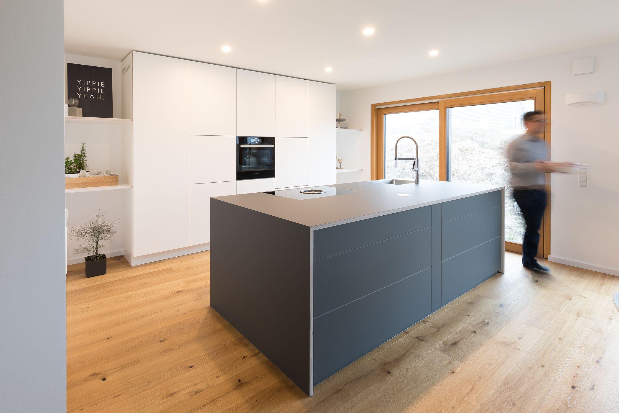 Küche mit kücheninsel kochinsel weiße küche graue kücheninsel