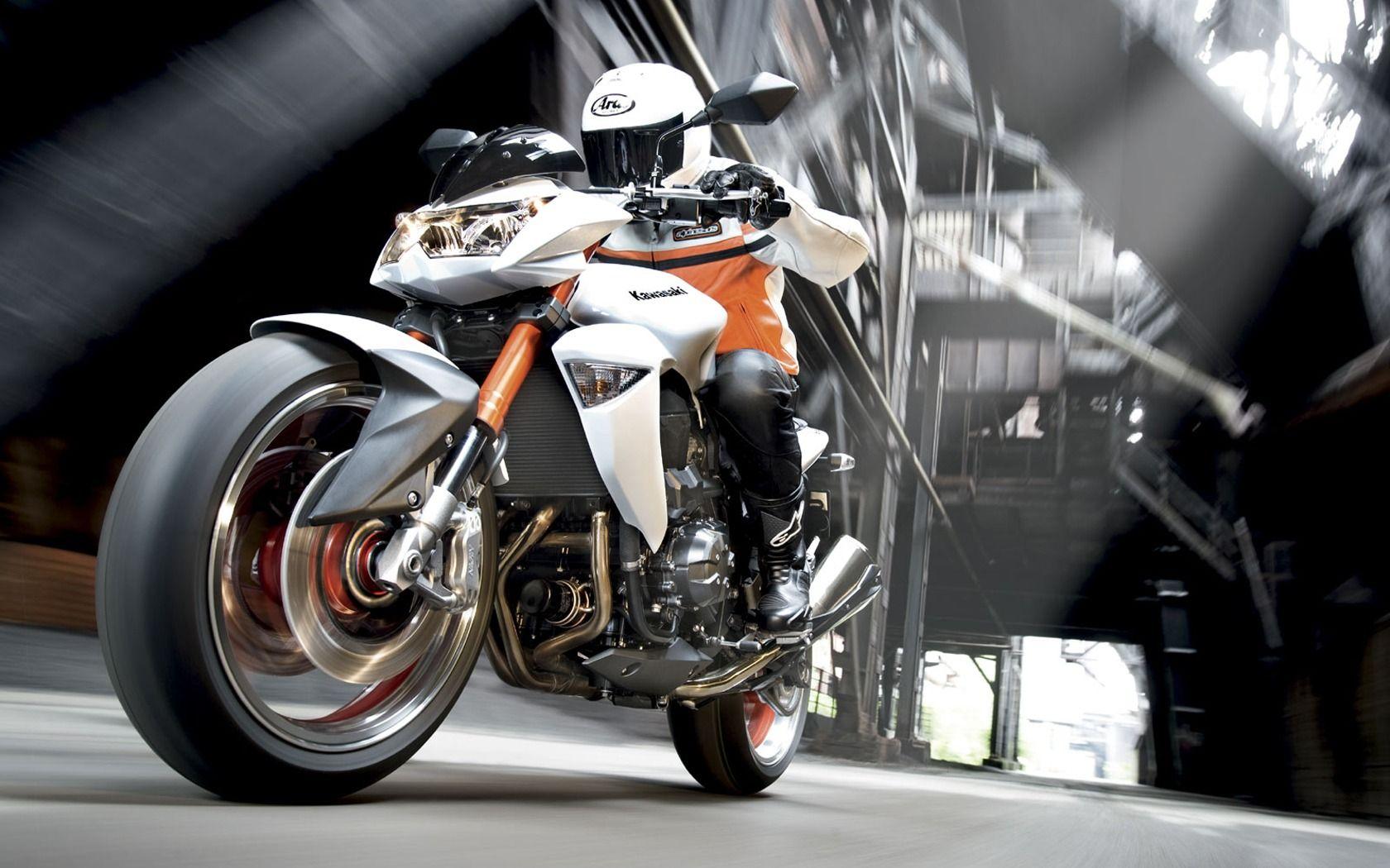 ca200af6e2f1 Kawasaki Z1000-1680-1050 HD Widescreen Wallpapers
