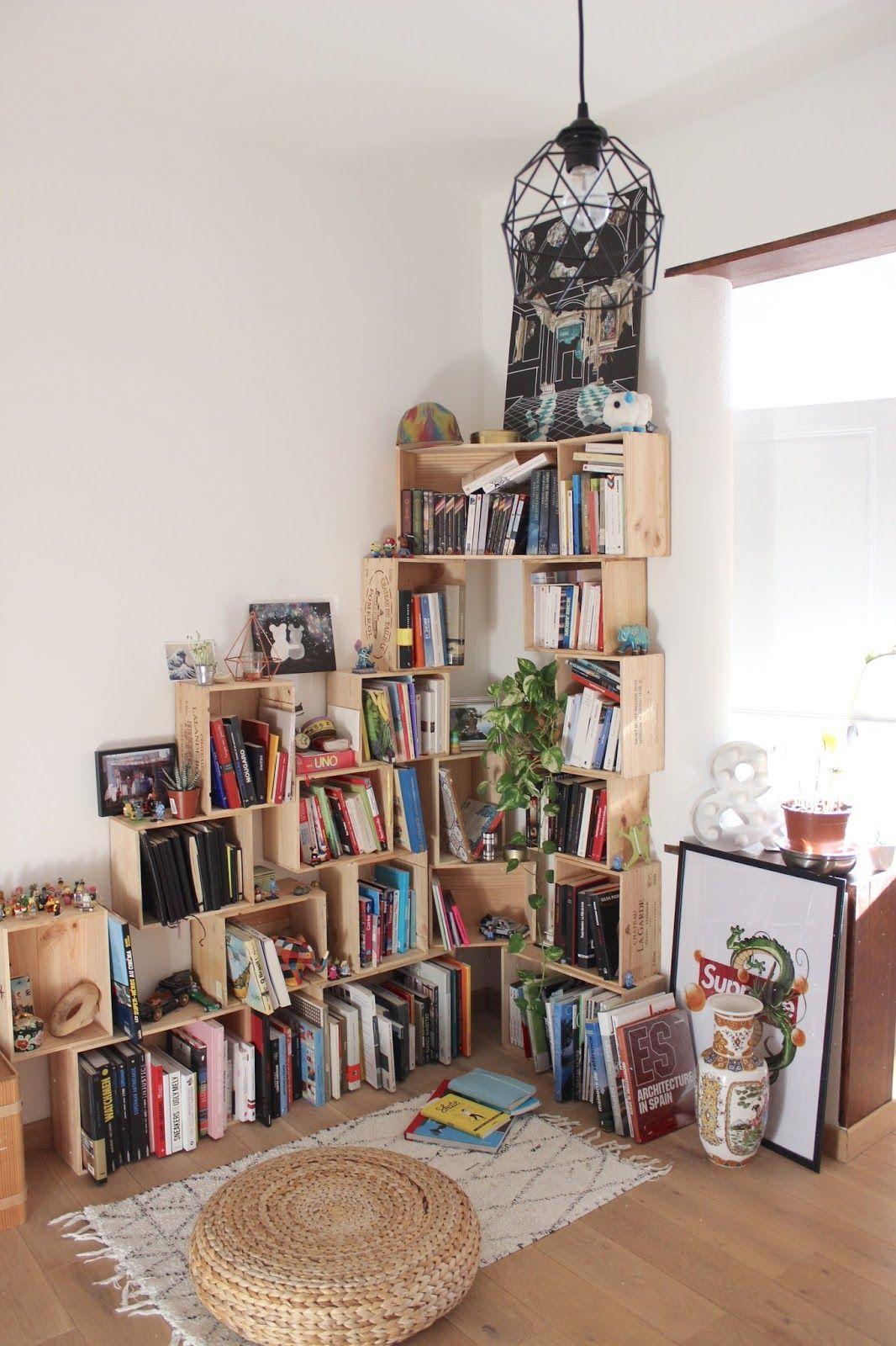 Étagère bibliothèque DIY en caisses à vin #interiordesign ... - Bibliotheque Diy