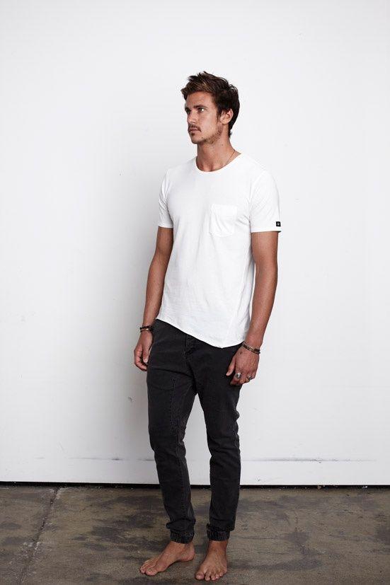 12faf8e96 4. Jean negro y remera blanca con bolsillo. | Ropa Hombre | Estilos ...
