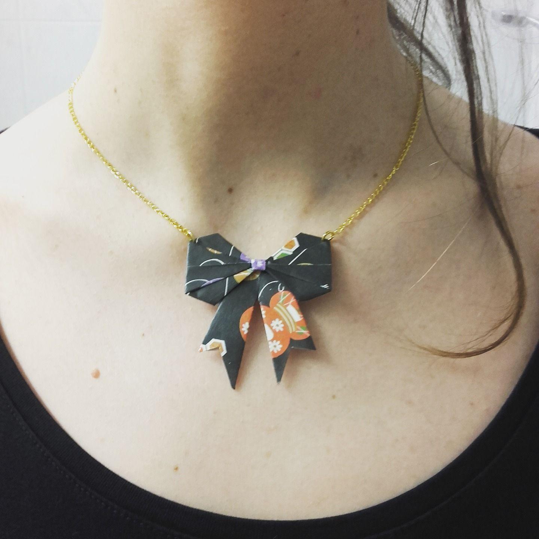 Collier avec noeud papillon en origami, personnalisable : Collier par fl-origami