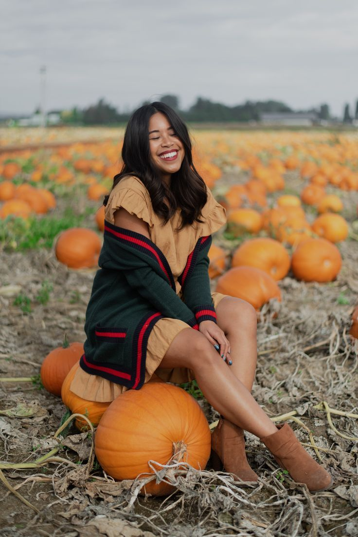 photo diary: pacific northwest pumpkin patch photoshoot - Karya Schanilec Photography #pumpkinpatch