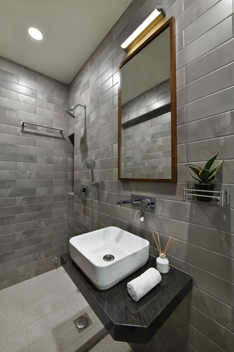 The Colors Of Kerala An Apartment With A Traditional Touch Simple Bathroom Designs Simple Bathroom Modern Bathroom Design