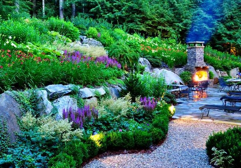Natural but controlled. | Garden spaces, Full sun ...
