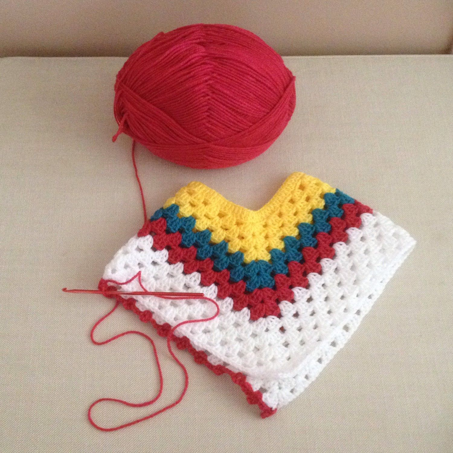 368fc6c06 A colour scheme matching baby poncho for this baby blanket. Poncho ...