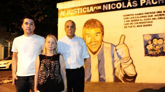 una tortura que lleva casi cuatro años                              El dolor se asoma en las miradas. Pero durante la entrevista con Clarín, la familia Pachecono dejaráescapar una lá... http://sientemendoza.com/2016/12/07/una-tortura-que-lleva-casi-cuatro-anos/