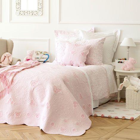 Dekorativer Quilt Mit Schmetterlingsstickerei   Quilts   Schlafen   Zara  Home Österreich