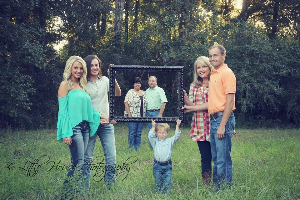Large family photo ideas crafty pinterest for Family photo ideas