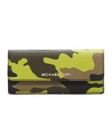 0d5ca0b4eafff0 MICHAEL Michael Kors Jet Set Camo Travel Flat Wallet   IN THE BAG ...