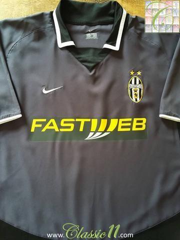 f53b573b7b1 Relive Juventus  2003 2004 season with this original Nike 3rd kit football  shirt.