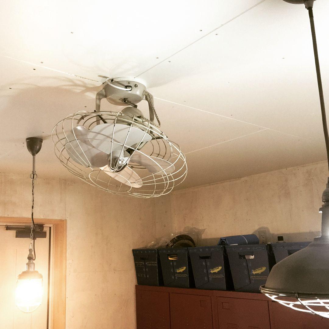 Takeshi Saito On Instagram 玄関ガレージの天井に扇風機付けました 天井開けて補強入れて配線分岐して コントローラーは露出ボックスに入れて柱に固定してます そのうち
