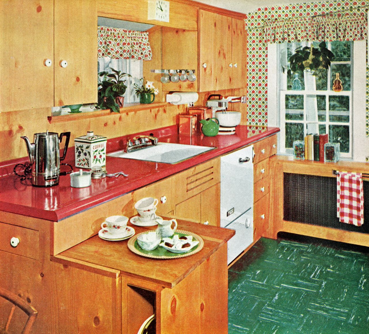 1950s Kitchen Google Search Ah Dustin S Dream 50s Kitchen No Painted Cabinets Amp A Crazy Colored Knotty Pine Kitchen Pine Kitchen Cabinets Pine Kitchen