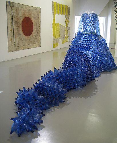 Recycled Plastic Bottle: Enirca Borghi's Installation. La Regina Dei Rifiuti