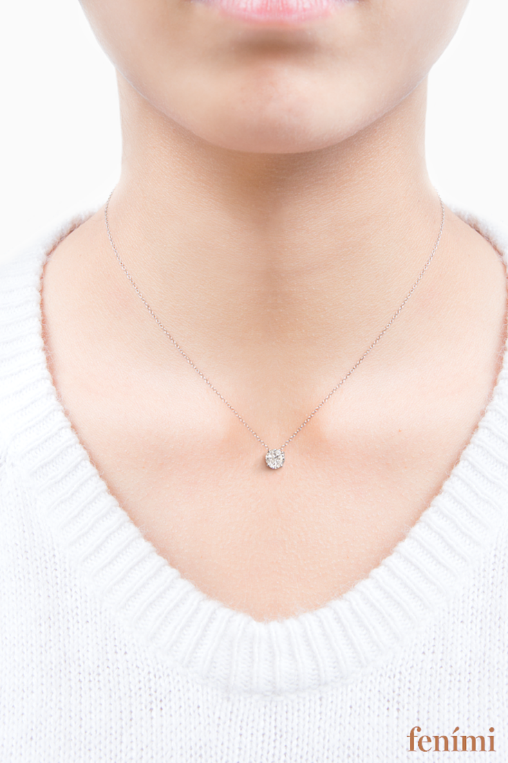 #Diamant-Halskette von #Fenimi  Charmante Ankerkette aus 750erWeißgold mit #Diamantanhänger (17 0,3-Carat).  Schlicht und elegant – unbedingt haben wollen!   Diamant-Kette, #Halskette, #Fenimi