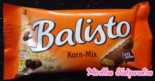 Ahhh...taste of Germany and Switzerland.  I loved these.  A bar of Balisto Korn-Mix.