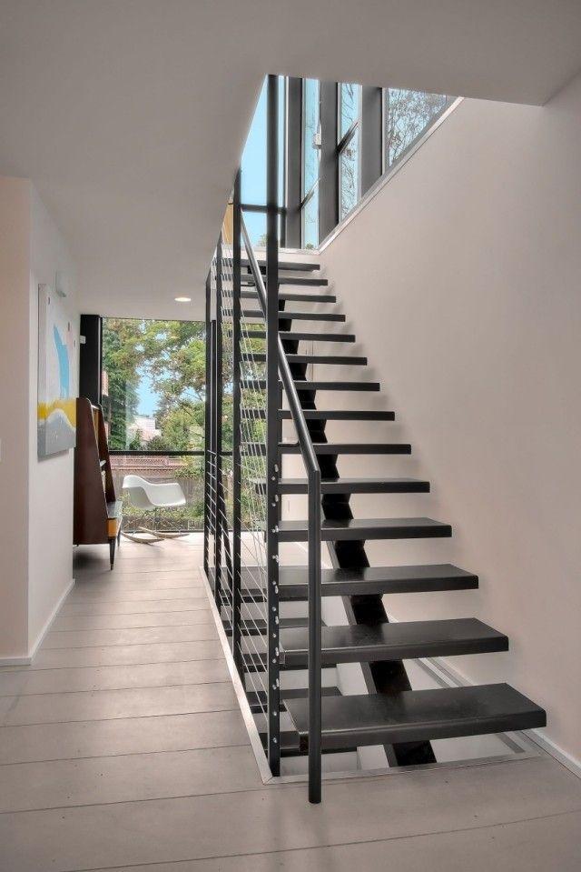 Mittelholmtreppe Mit Stufen Aus Schwarzem Stahl Innendesign Modern
