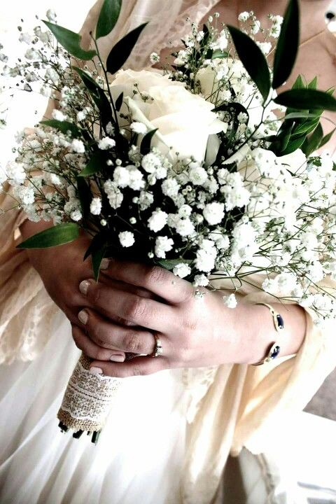 Diy Wedding Bouquet With Ivory Roses Baby S Breath Greenery And Burlap And Lace Wrap Diy Wedding Bouquet Navy Wedding Flowers Bridesmaid Flowers