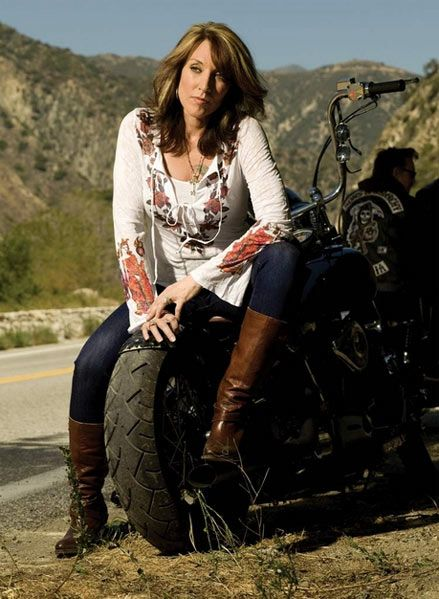 Pin By Sherri Ruffner On People I Want To Be Friends With Sons Of Anarchy Gemma Sons Of Anarchy Gemma Teller Morrow