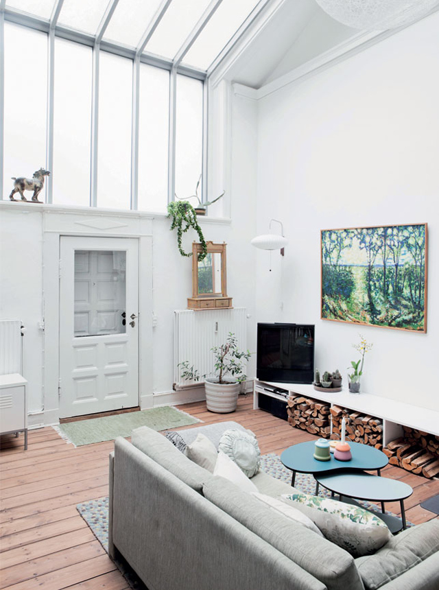 Coffee in the sun klein en licht appartement in kopenhagen interior pinterest witte muren - Decoratie appartement design ...