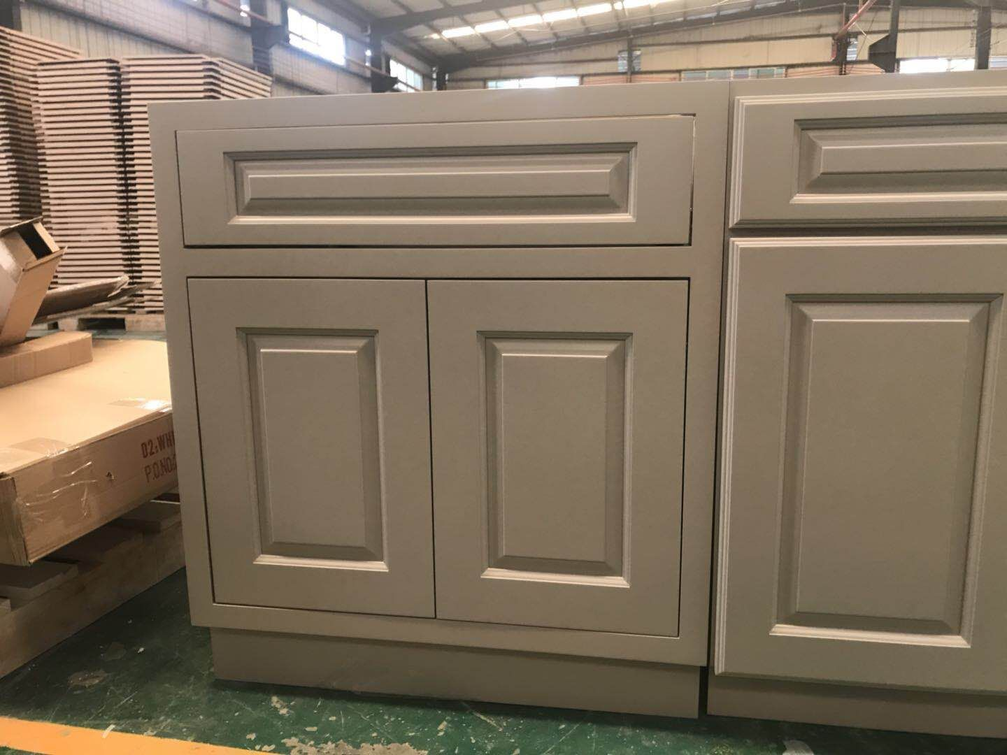 Particle Board Is Cheaper Than The Plywood But The Plywood Is More Durable You Can Choos Solid Wood Kitchen Cabinets Diy Kitchen Remodel New Kitchen Cabinets