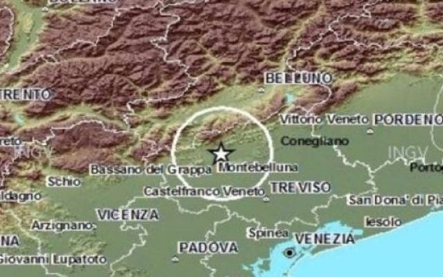 Terrore nella notte, Terremoto a Treviso, scossa di magnitudo 3.5 Allarme nel Trevigiano questa notte per una scossa di terremoto che ha colpito la zona e registrata dai sismografi a soli 2 chilometri di profondità. Secondo i rilevamenti dell'Istituto nazionale di  #terremoto #treviso #paura