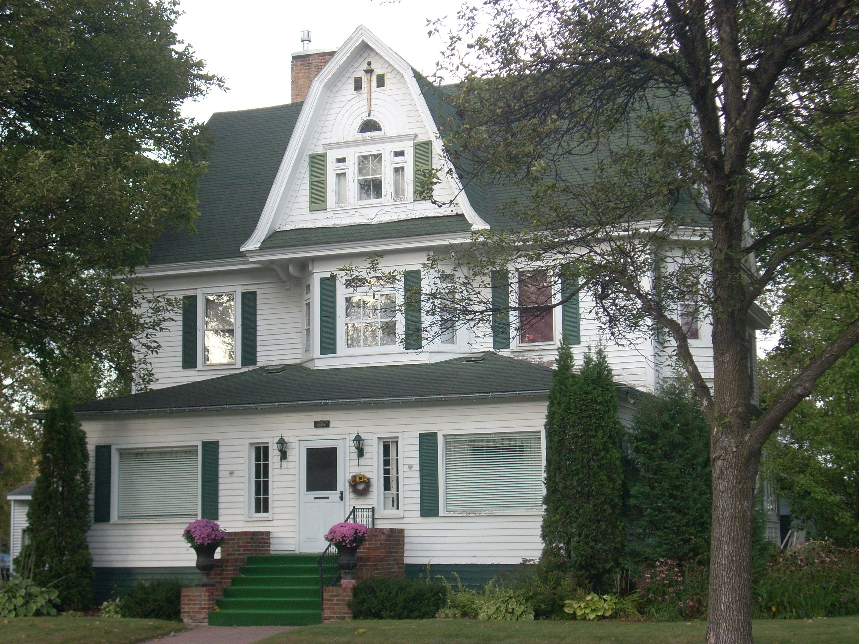 4 Questions To Determine Your Retirement Nest Egg Building Design Old Houses Grand Forks