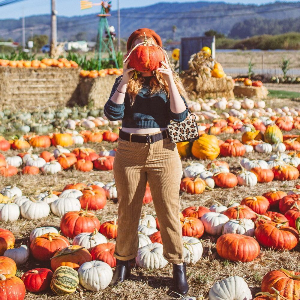 OH MY GOURD, These Are The Cutest Pumpkin Patch Outfit Ideas EVER #pumpkinpatchoutfit I found the most charming Half Moon Bay Pumpkin patch for day date hunting from the city! Put on a cute pumpkin patch outfit & drove down to the farm called #pumpkinpatchoutfit OH MY GOURD, These Are The Cutest Pumpkin Patch Outfit Ideas EVER #pumpkinpatchoutfit I found the most charming Half Moon Bay Pumpkin patch for day date hunting from the city! Put on a cute pumpkin patch outfit & drove down to the farm c #pumpkinpatchoutfitwomen