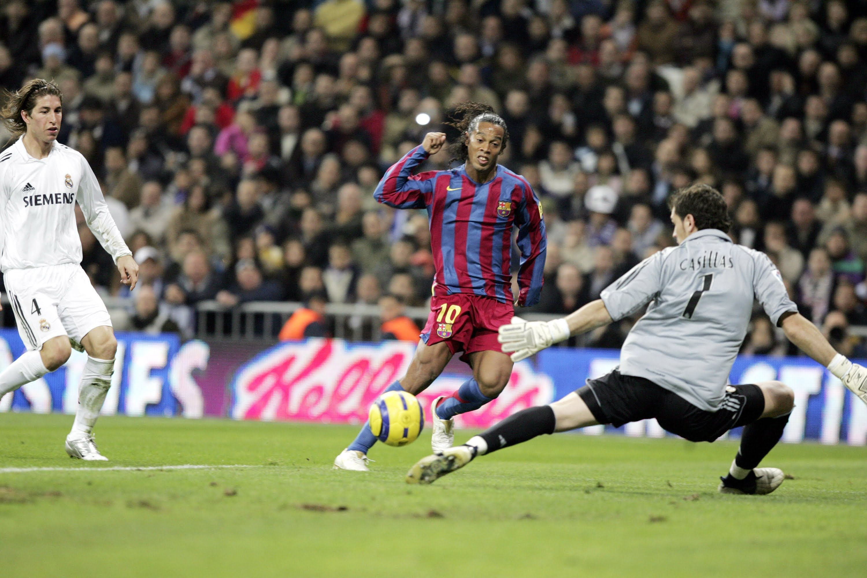 Image result for ronaldinho in action against Real Madrid