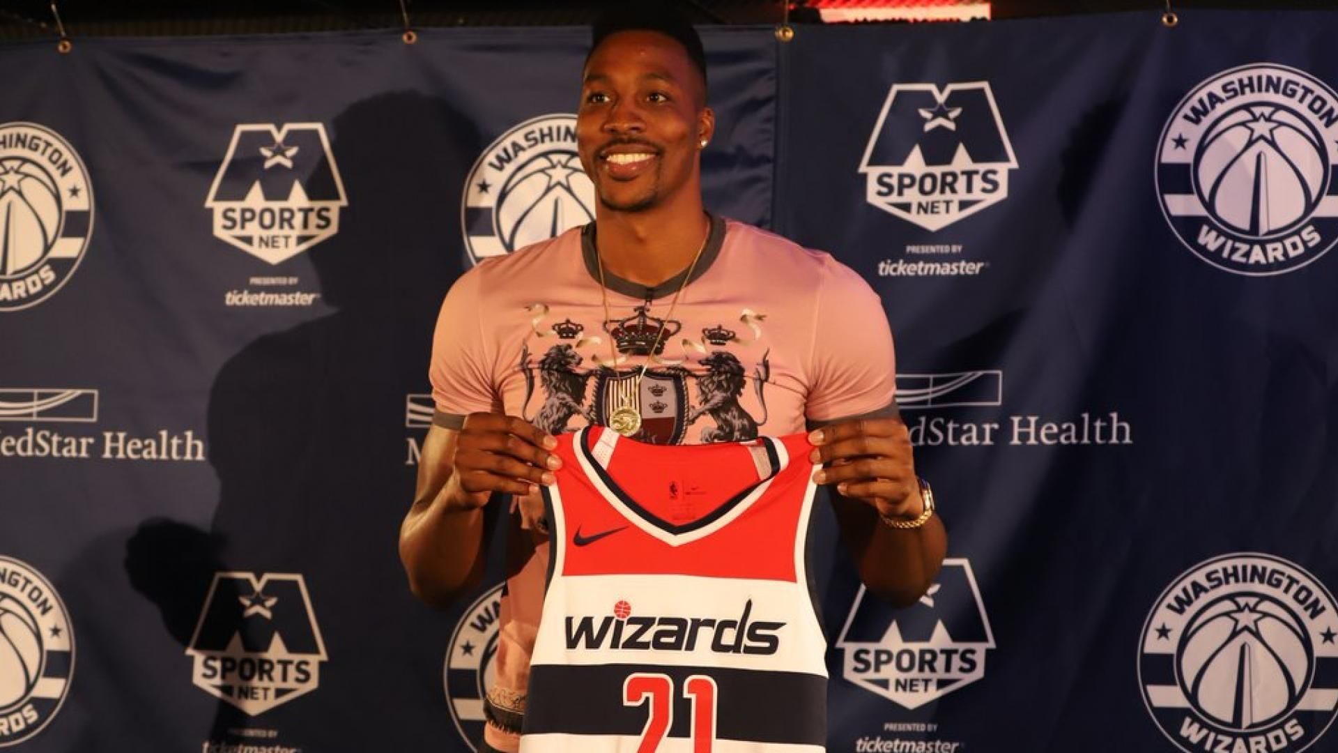 Nba Trade Rumors Dwight Howard Wants To Go With The Lakers Or Clippers As He Prefers La City Nba Trade Rumors Dwight Howard Lakers