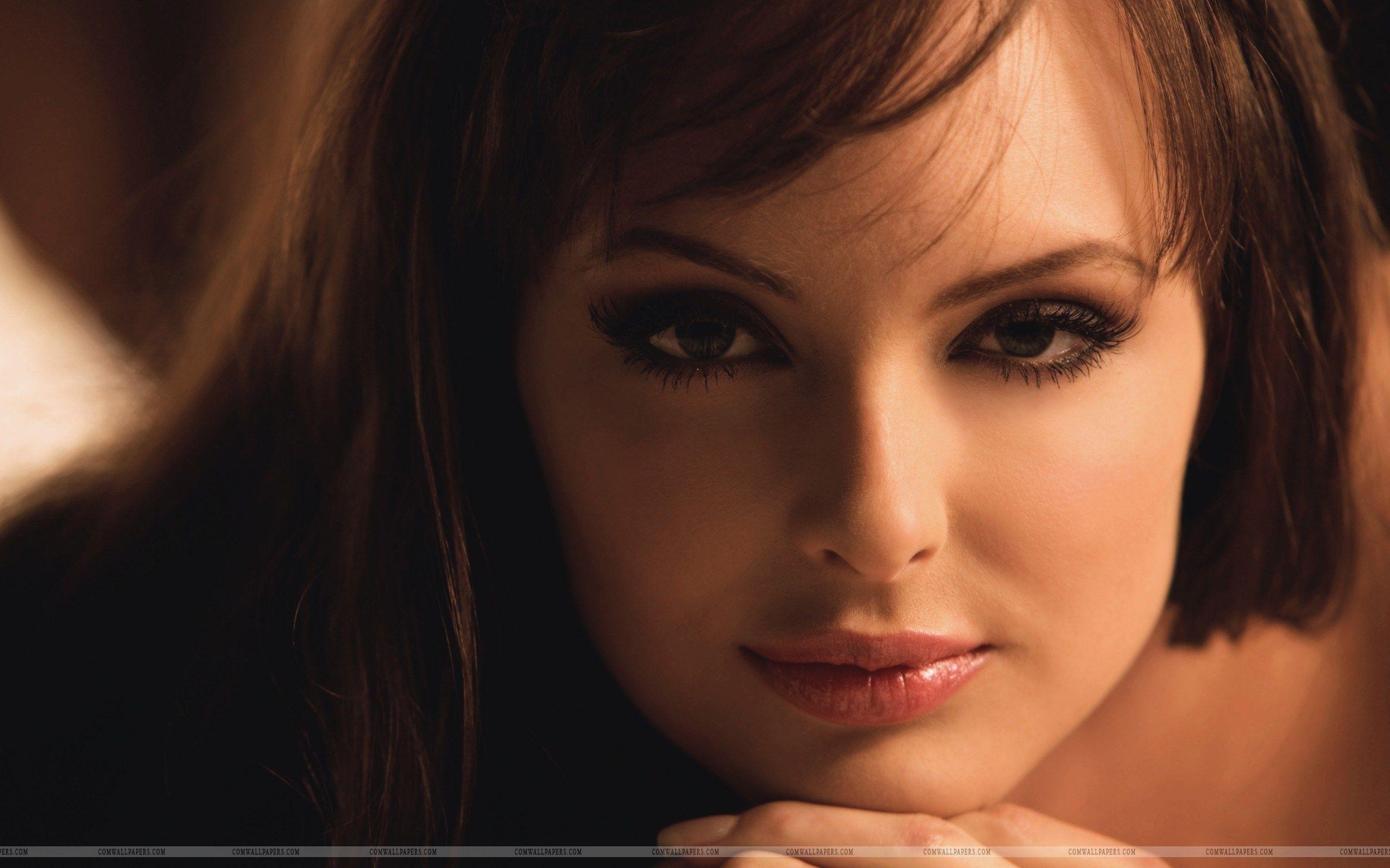 Wallpaper Face Women Cosplay Model Simple Background: Beautiful Face Woman Hd Wallpaper