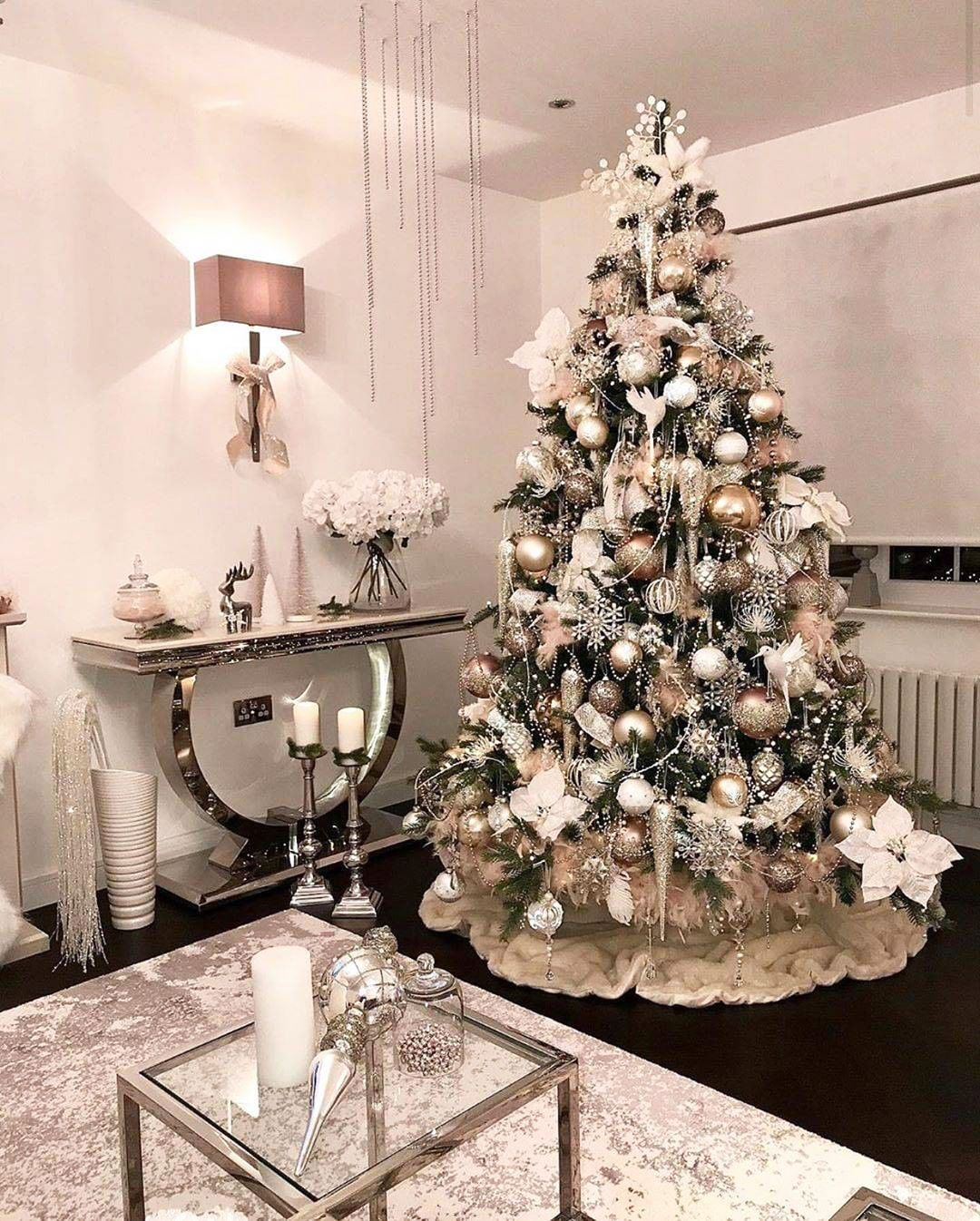 49 Simple Christmas Tree Decorating Ideas In 2020 Best Online Furniture Stores Decor Online Furniture Stores