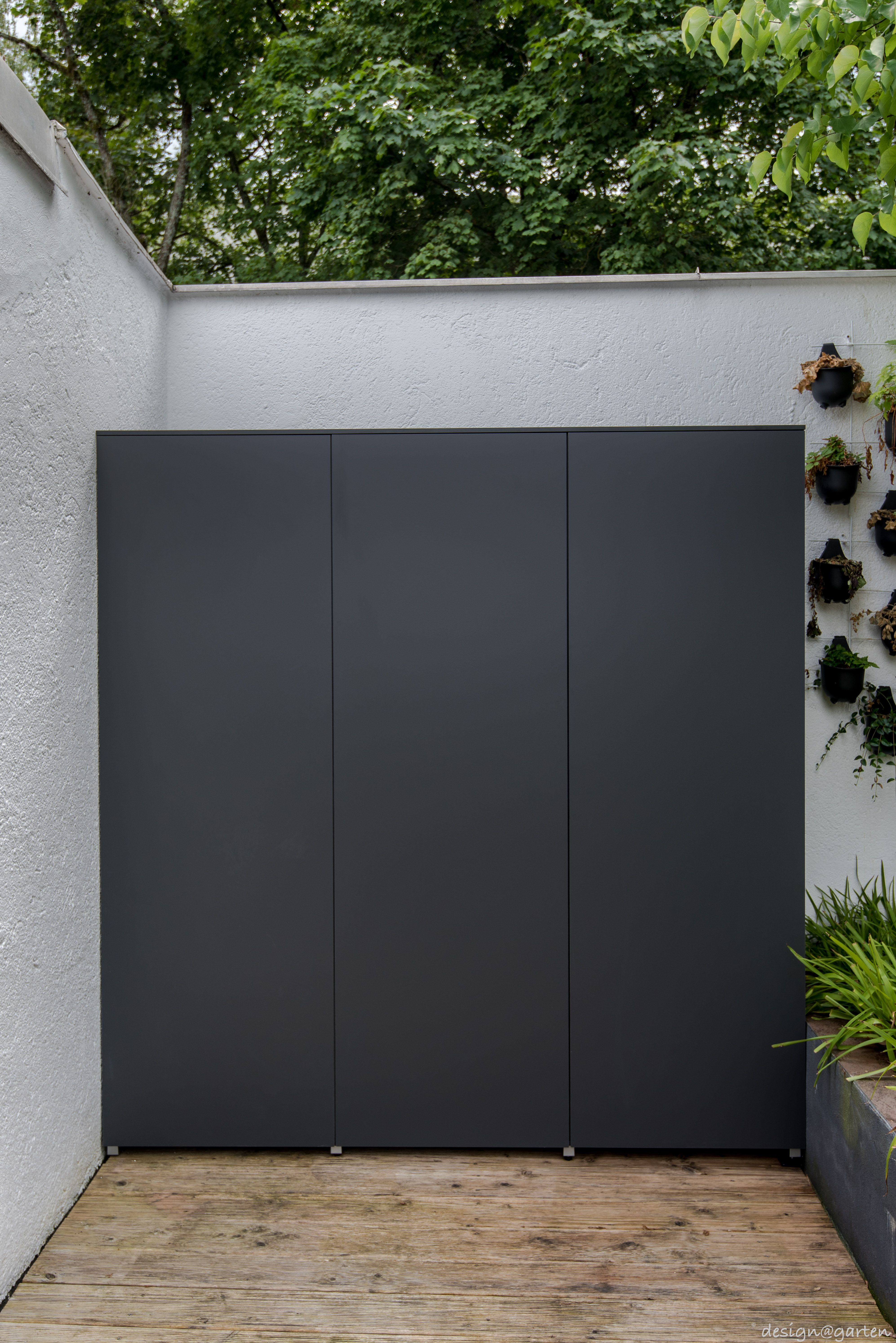 Terrassenschrank Balkonschrank Nach Mass By Design Garten Augsburg In Munchen Solln Uv Bestandig Wetterfest Winner Gartenschrank Terassenideen Garten
