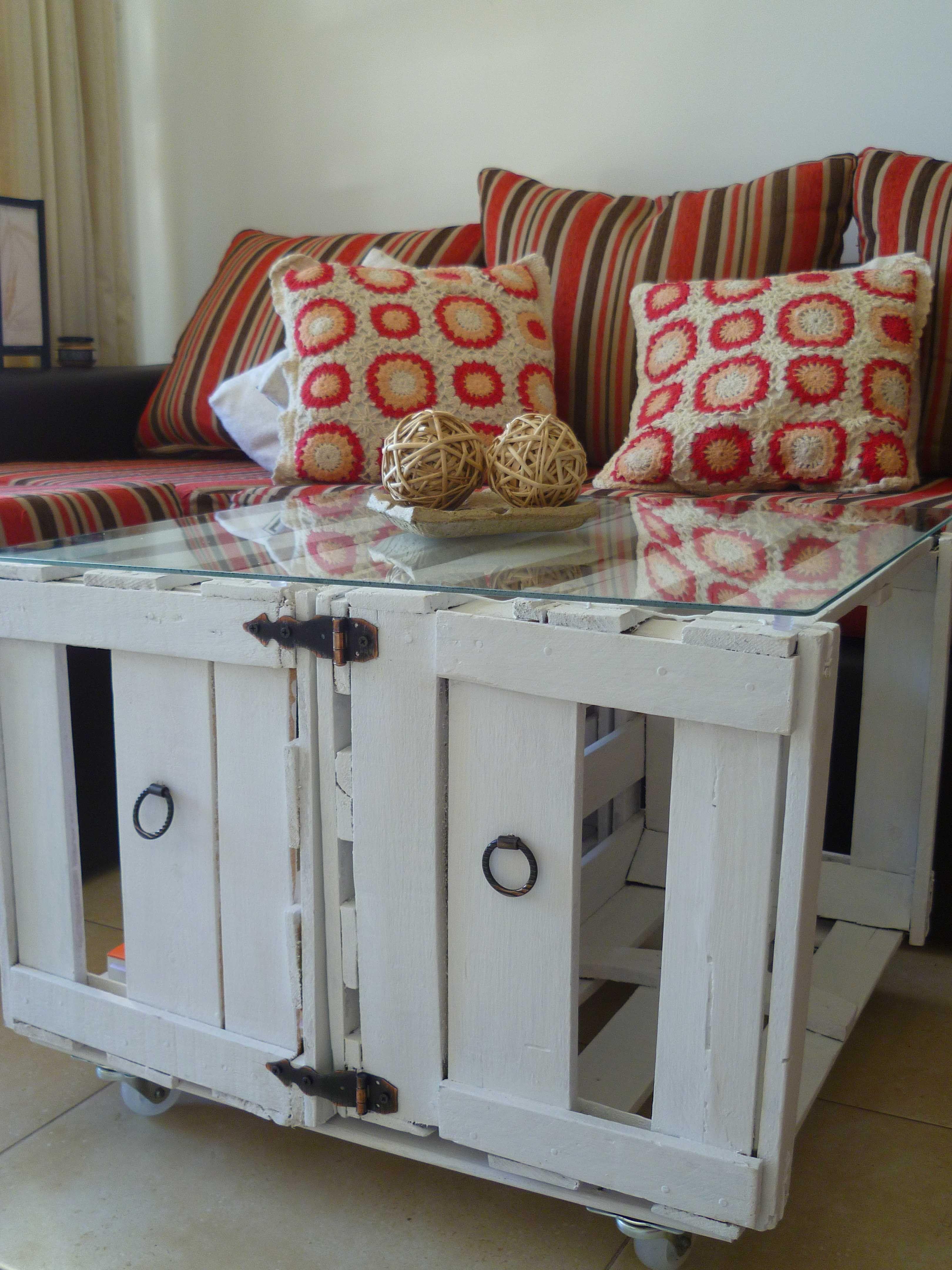Muebles reciclados on pinterest crates tire ottoman and - Cajas de madera recicladas ...