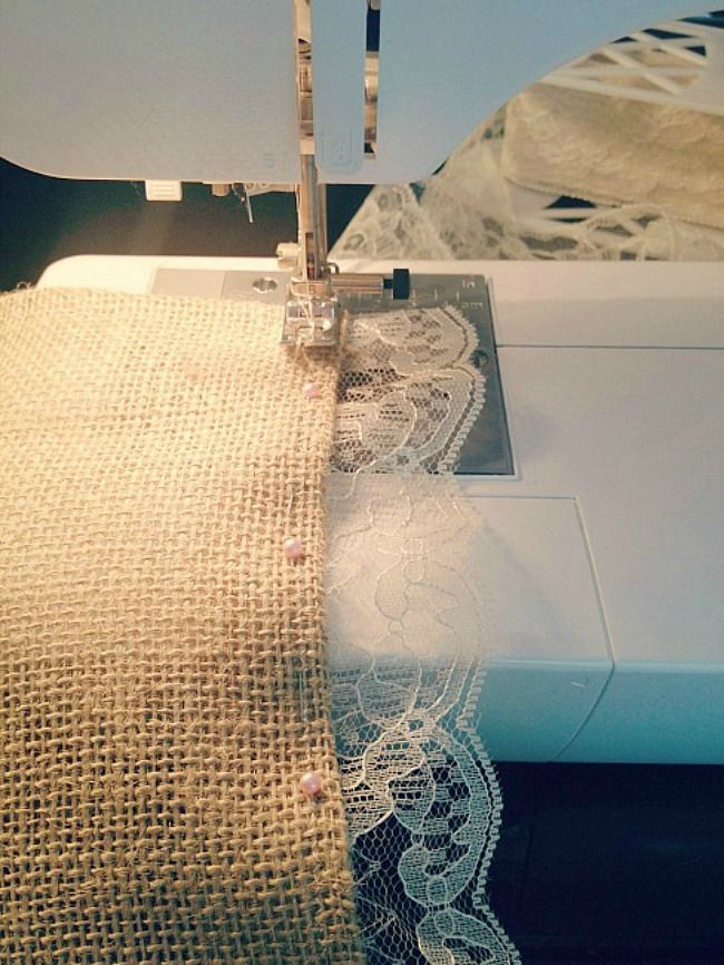 How To Make A Burlap Lace Table Runner. *I personally don't want a no-sew version. I want to be able to wash and reuse mine.*