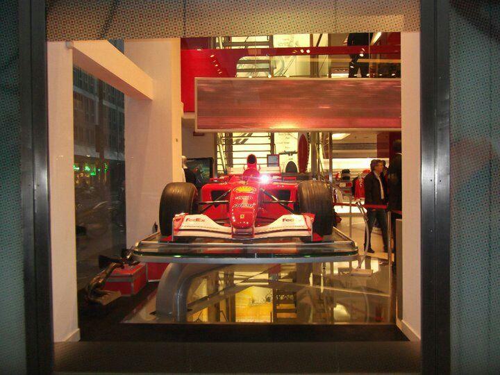 El rojo corredor de carreras