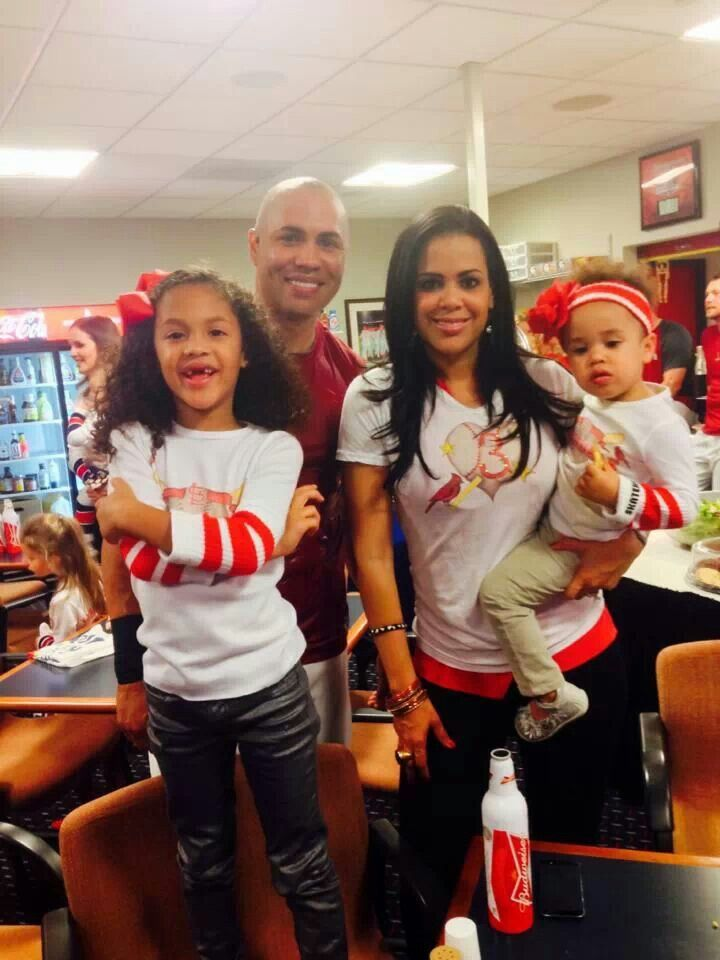 Carlos Beltran With His Family St Louis Cardinals Stl