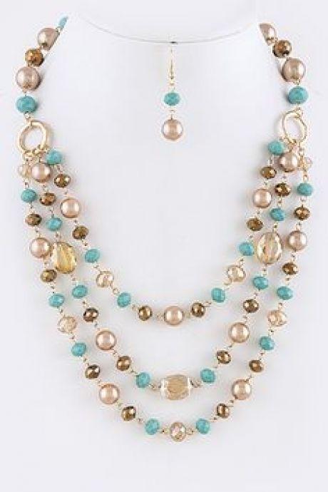 bf6903edff5a Lindo collar sencillo y colorido  collares  collaresbisuteria   collaresdebisuteria  bisuteria  bisuterias  pulseras  pendientes