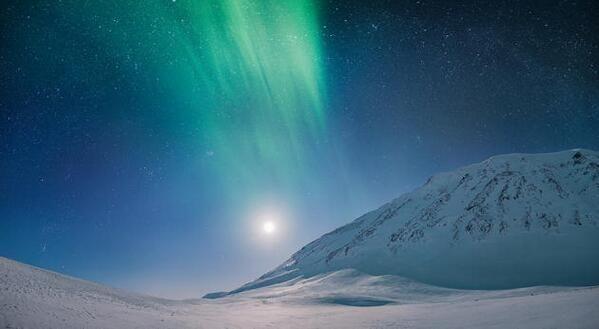 "Meteo Cheche en Twitter: ""Aurora Boreal con la Luna de fondo desde el Ártico. Foto: Tommy Richardsen 9/1/2014 http://t.co/a8lCE5F9fQ"""