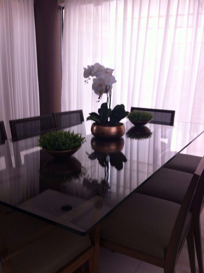 Decoração floral permanente by EuQueDecoro. Quer uma decoração desse na sua casa? Fale com a Arquiteta Lu Camargos. www.EuQueDecoro.com.br