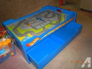 Hot Wheels Play Table 45 Lee Il In 2020 Play Table Hot Wheels Kids Playing