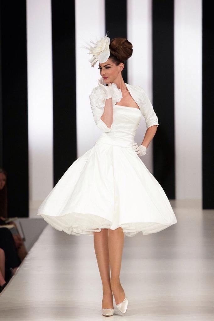 Ian Stuart 50s Style Wedding Dress Jet Set Size 14 16 18 United Kingdom Gumtree Funky Wedding Dresses Short Wedding Dress Designer Wedding Dresses