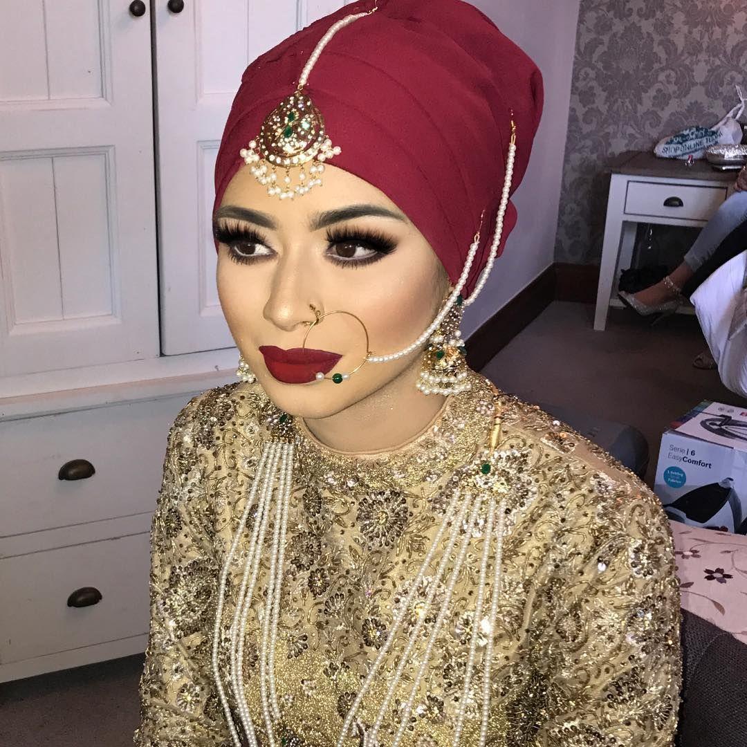 Hijabi bride just before the hijab settingdupatta went on