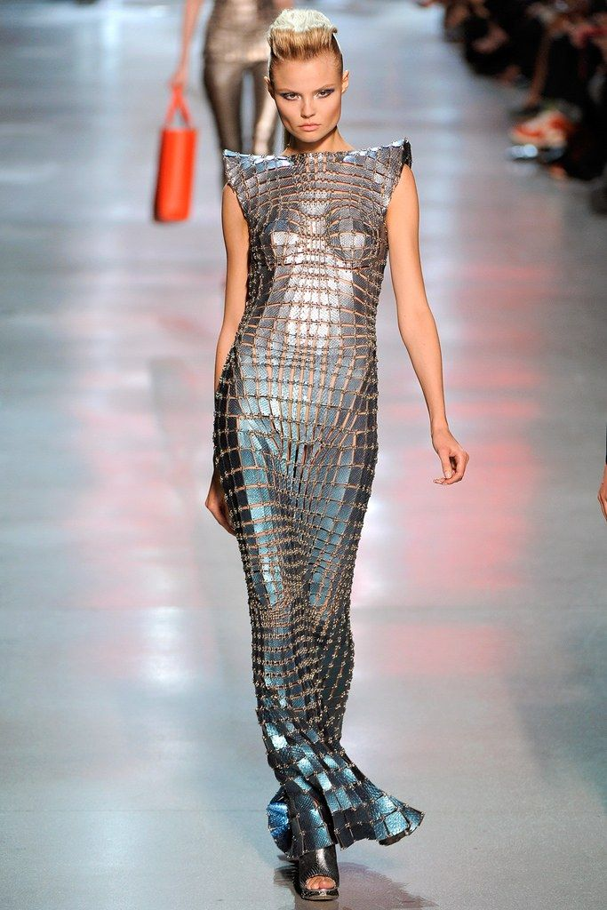 Paco Rabanne Spring 2012 Ready-to-Wear Fashion Show - Magdalena Frackowiak